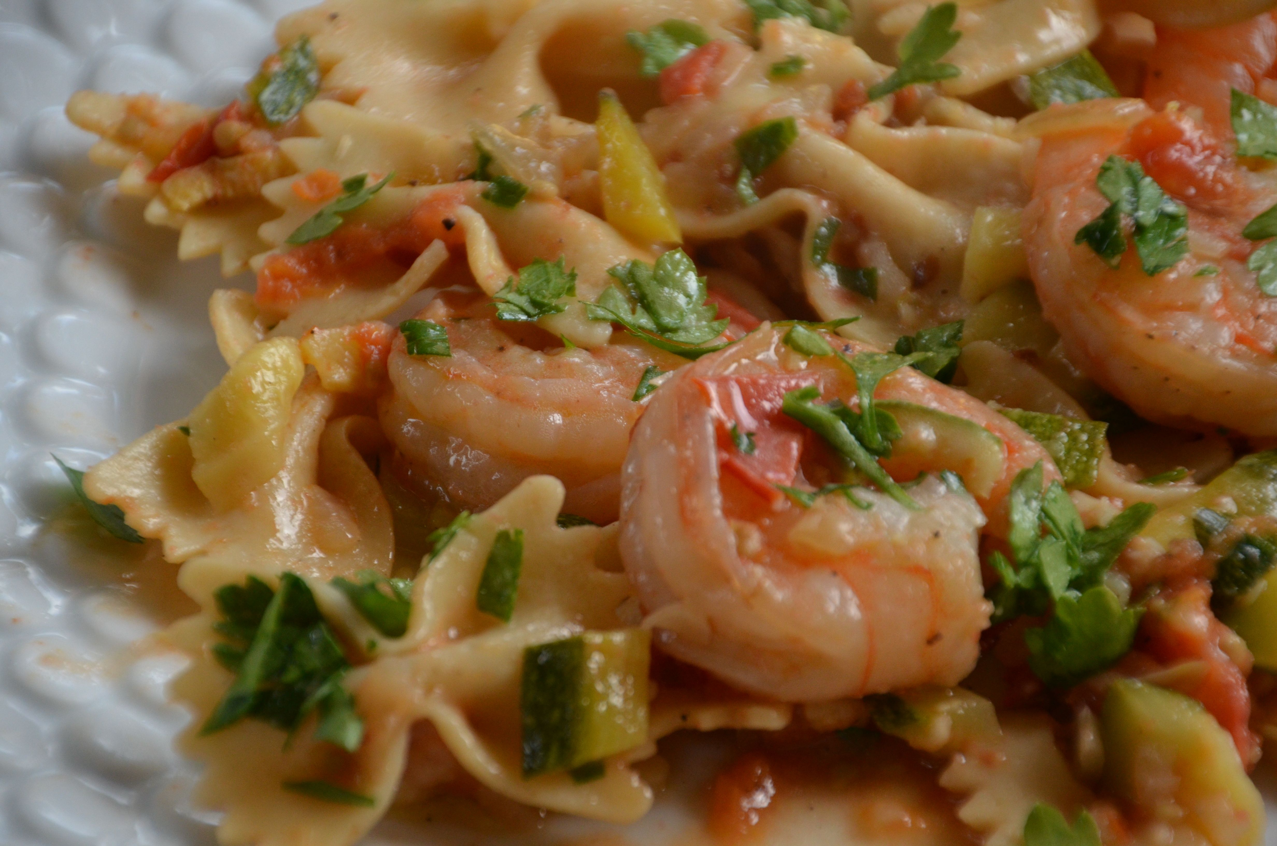Shrimp and Zucchini with Bowties in Light Tomato Sauce - Warm House ...